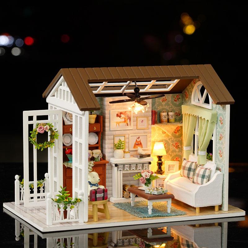 [해외]3D Miniatura 인형 주택 가구 키트 나무 조립 DIY 수제 장난감 LED 라이트 룸 장식 생일 새해 선물/3D Miniatura Doll Houses Furniture Kits Wooden Assemble DIY Handmade Toys LED Ligh
