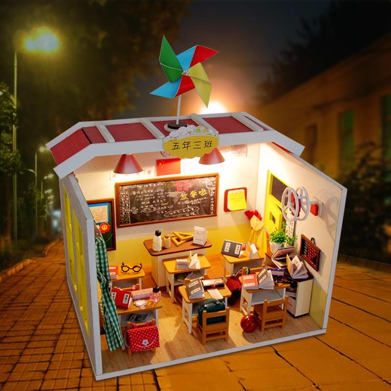 [해외]Hoomeda M017 DIY 인형 집 장비 졸업식 Deskmate 급우 선물 수집 LED 빛/Hoomeda M017 DIY Dollhouse Kit Graduation Deskmate Classmate Gift CollectionLED Light