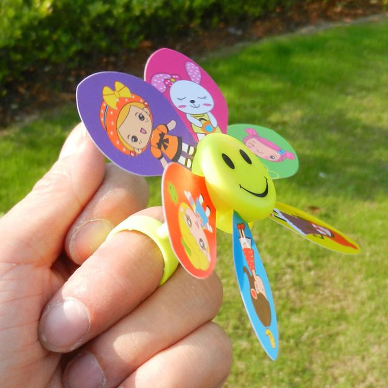 [해외]10pcs 크리 에이 티브 만화 미니 손가락 바람 클래식 야외 스포츠 다채로운 무작위 모양의 교육 완구 유치원 게임 도구/10pcs Creative Cartoon Mini Finger Wind Classic Outdoor Sport Colorful Random