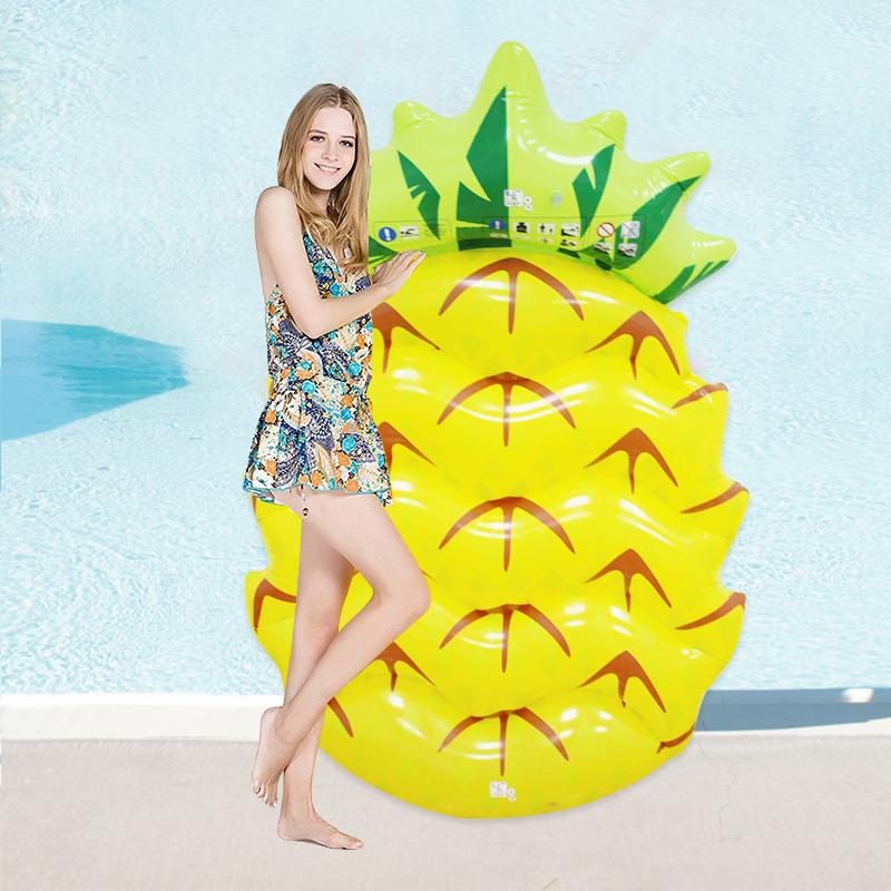 [해외]145 * 90cm 거대한 팽창 식 파인애플은 부유한다 2017 가장 새로운 수영장 뜨개질을하는 바닷가 장난감 부 풀리는 과일 부스러기 매트리스 라운지/145*90cm Giant Inflatable Pineapple Floats 2017 Newest Swimmi