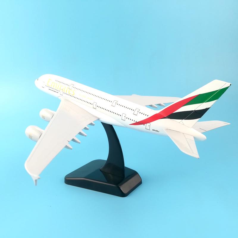[해외]20CM 비행기 모델 보잉 380 에미레이트 항공 항공기 어린이 장난감 크리스마스 선물을A380 금속 고체 시뮬레이션 비행기 모델/20CM plane model Boeing 380 emirates airline aircraft A380 Metal Solid si