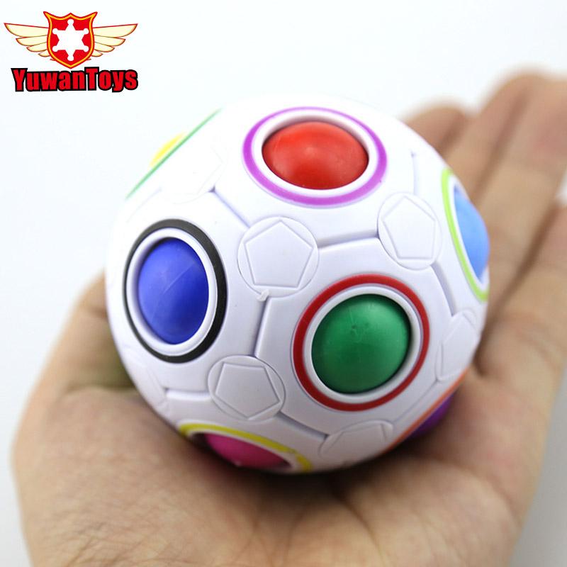 [해외]2017 Hot 구면 마술 큐브 장난감 참신 장난감 축구 퍼즐 무지개 학습과 어린이들을교육 유이 성인/2017 Hot Spherical Magic Cube Toy novelty toys Football Puzzle Rainbow Learning And Educa