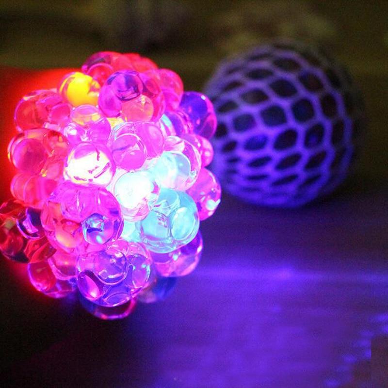 [해외]6cm 새로운 창조적 인 빛 최대 빛나는 포도 볼 안티 스트레스 데스크톱 손가락 스트레스 릴리프 참신 교육 장난감 크리스마스 선물/6cm New Creative Light Up Luminous Grape Ball Anti Stress Desktop Finger