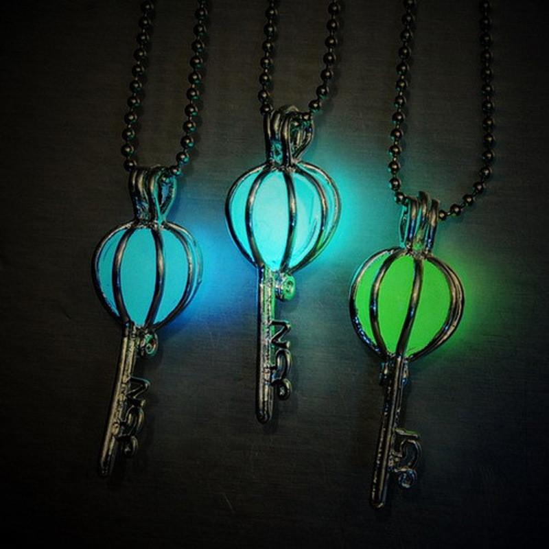 [해외]8PCS 성격 피어싱 빛나는 키 모양의 목걸이 어두운 장난감에 빛나는 레트로 목걸이 키즈 파티 완구/8PCS Personality Pierced Luminous Key Shape Necklace Glow In The Dark Toys Retro Necklace